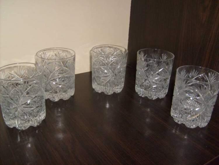 kristal bardaklar görmek