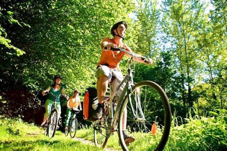 küçük bisiklet sürmek