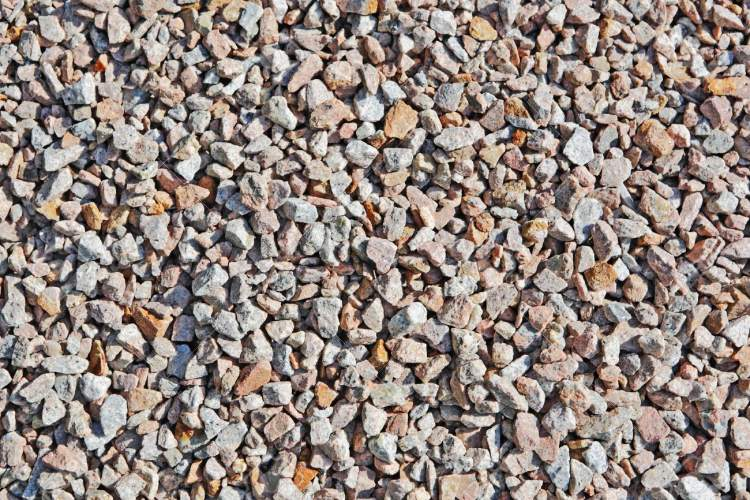 küçük taşlar görmek