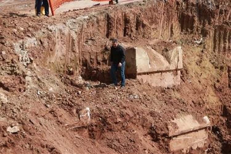 lahit mezar görmek
