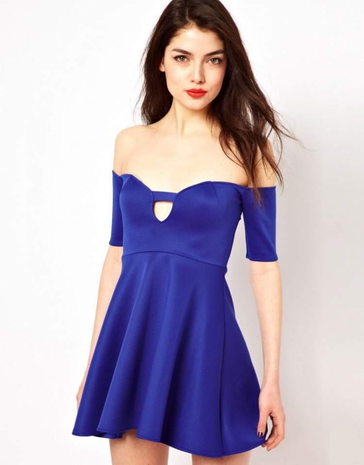 Rüyada Mavi Elbise Giymek