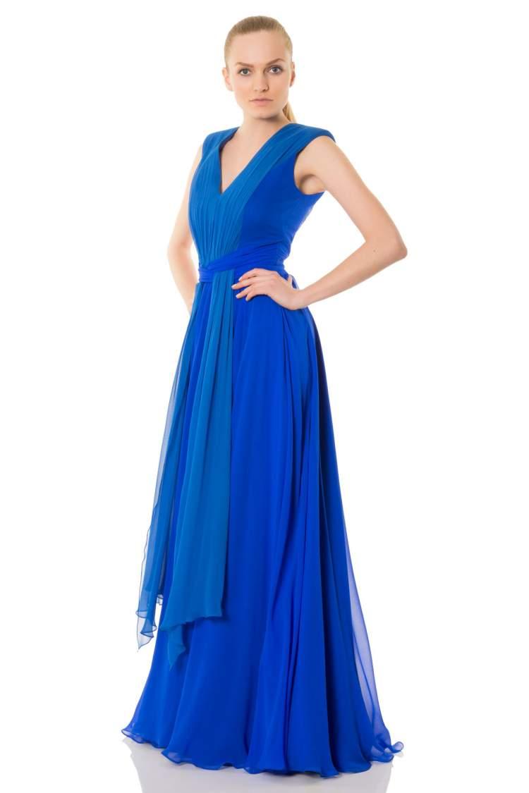 Rüyada Mavi Elbise Giymiş Kadın Görmek
