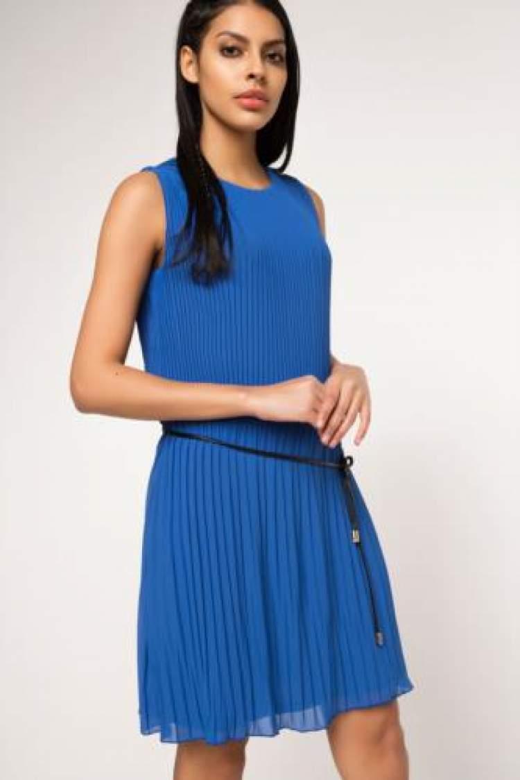 mavi elbise görmek