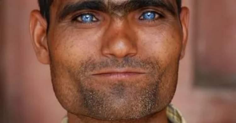 Rüyada Mavi Gözlü Adam Görmek
