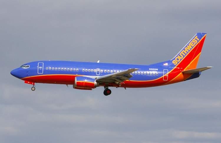 mavi uçak görmek