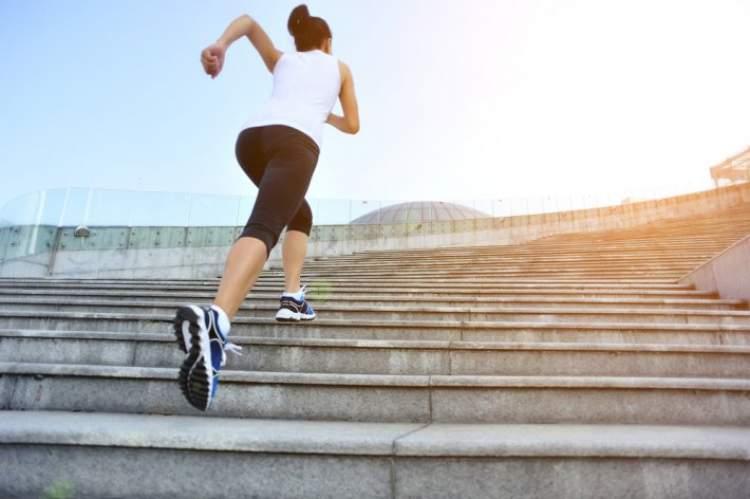 merdiven çıkmak ve inmek