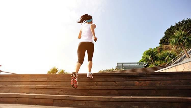 Rüyada Merdiven İnip Çıkmak