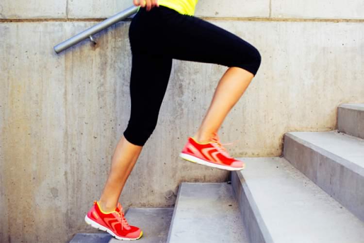 merdivenden inip çıkmak