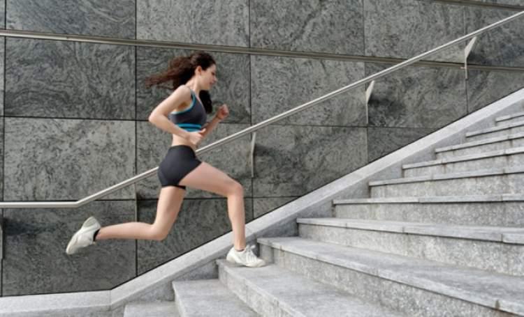 merdivenden yukarı çıkmak