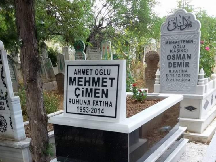mezar taşında kendi ismini görmek