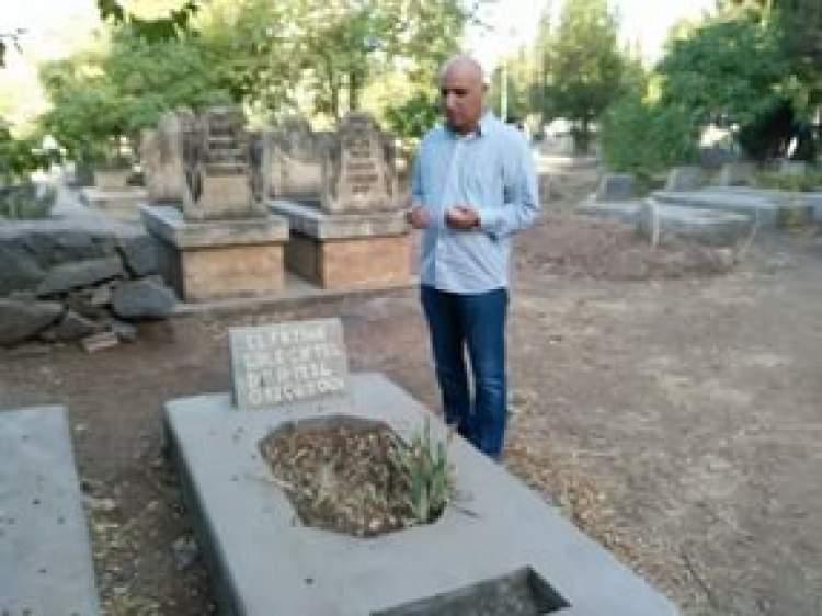 mezarlıkta fatiha okumak