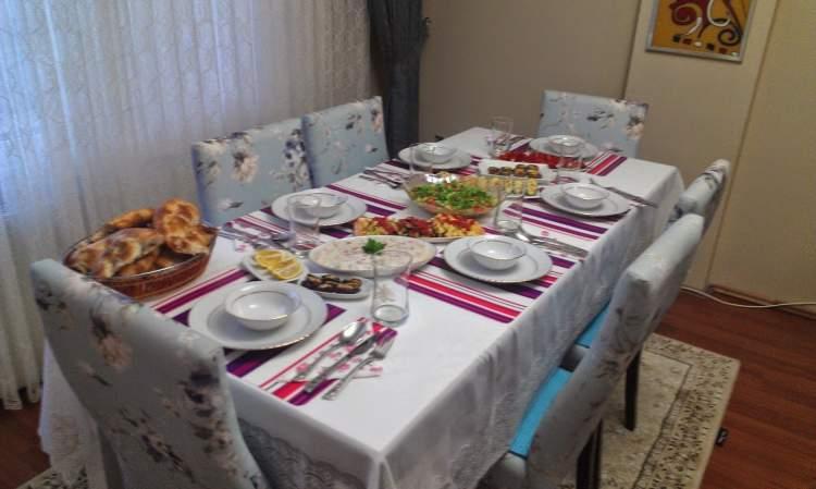 misafire yemek vermek