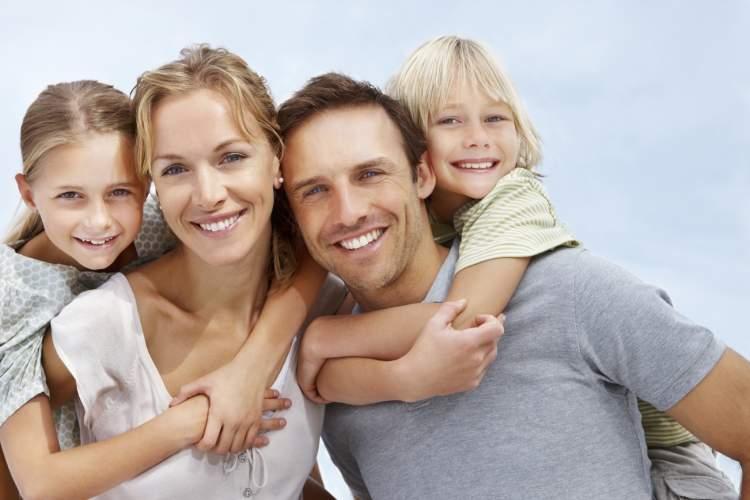 mutlu aile görmek