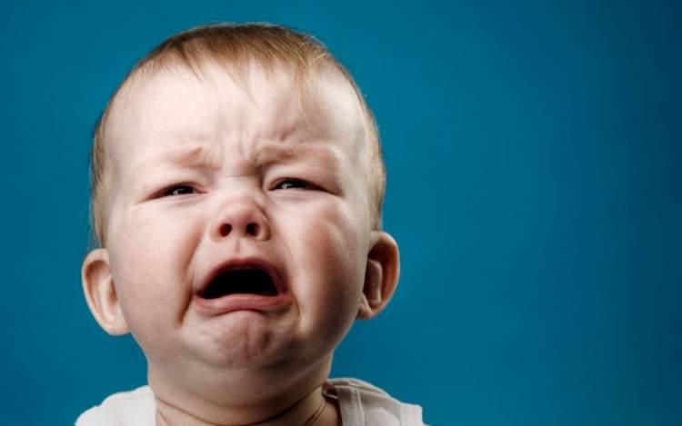 oğlunu ağlarken görmek