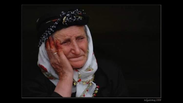 ölmüş annenin ağlaması