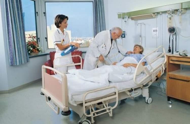 ölmüş anneyi hastanede görmek