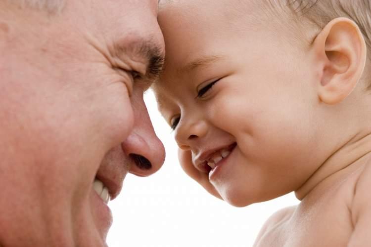 ölmüş babayı gülerken görmek