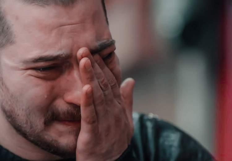 ölmüş birine sarılmak ağlamak