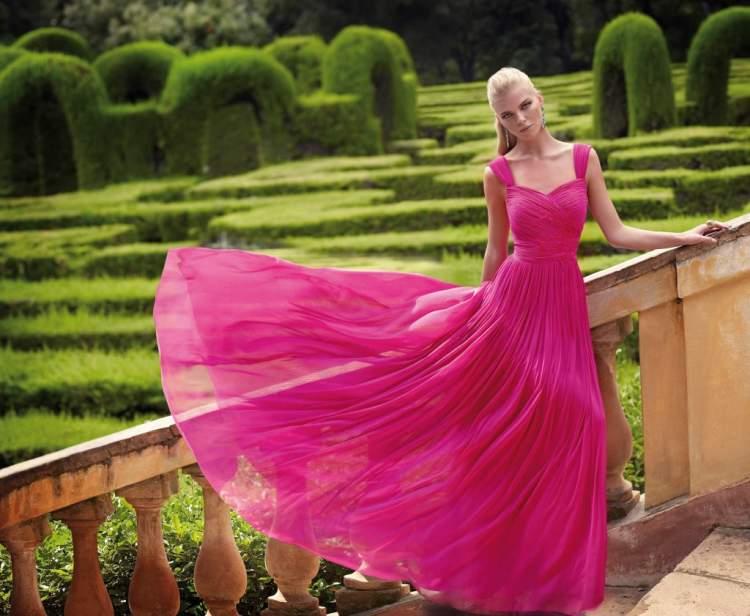 pembe elbise görmek