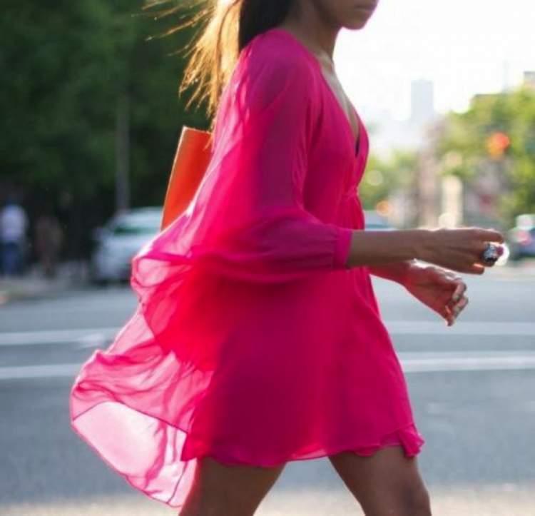 Rüyada Pembe Renk Elbise Giymek