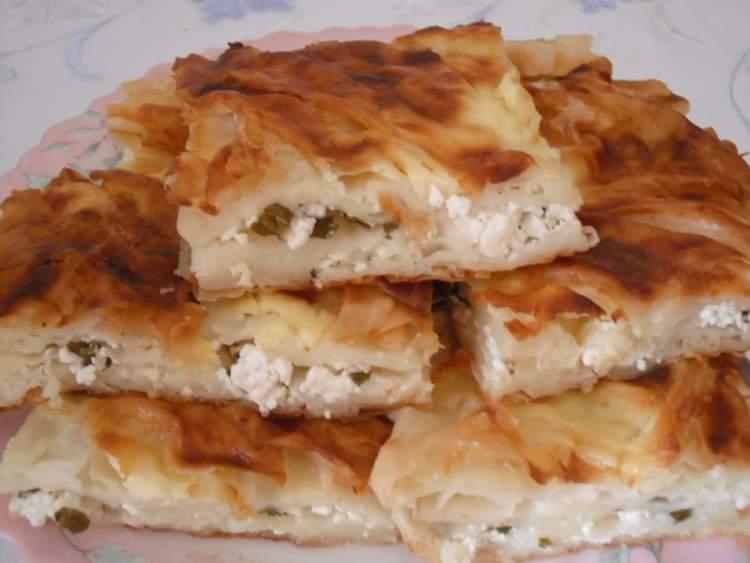 peynirli börek yemek