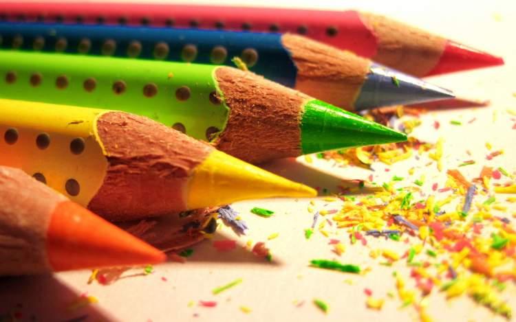 renkli kalem görmek