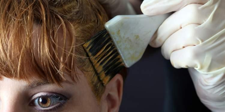 saç boyattığını görmek