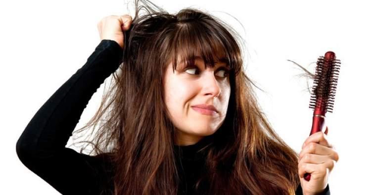 saç dökülmesi görmek