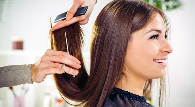 saçını kestiğini görmek