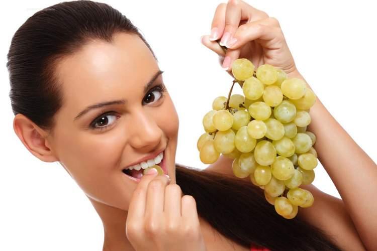 salkım üzüm yemek