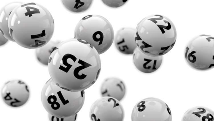şans oyunundan para çıktığını görmek