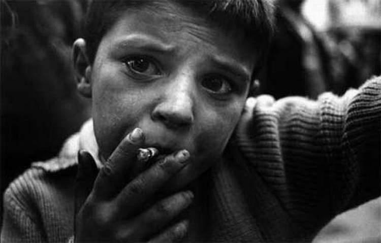 sigara içeni görmek