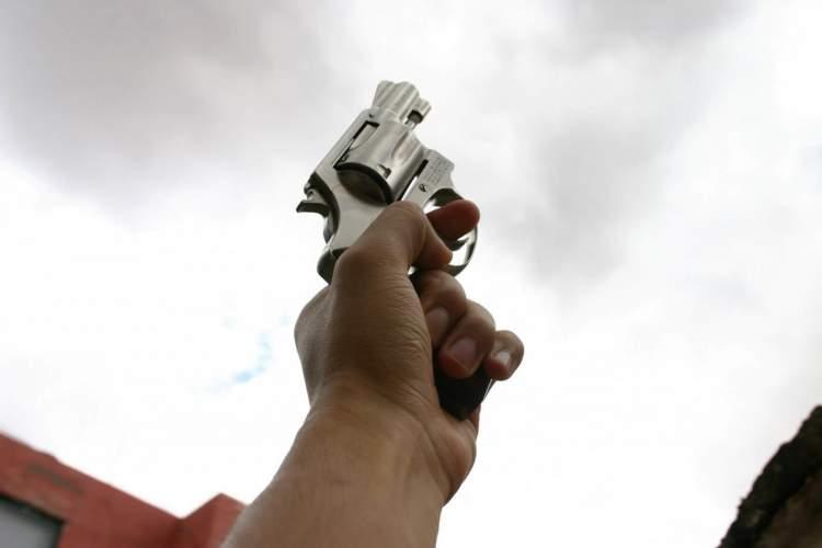 silah sıkmak