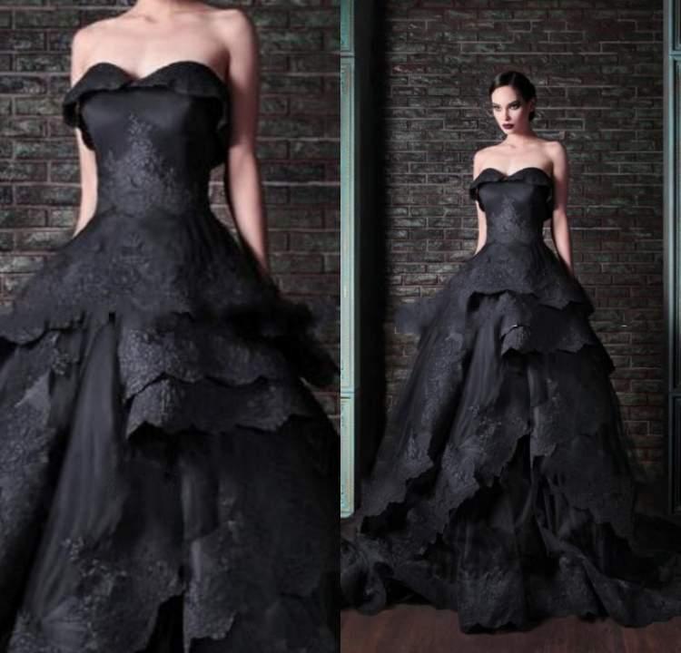 siyah gelinlik giymek