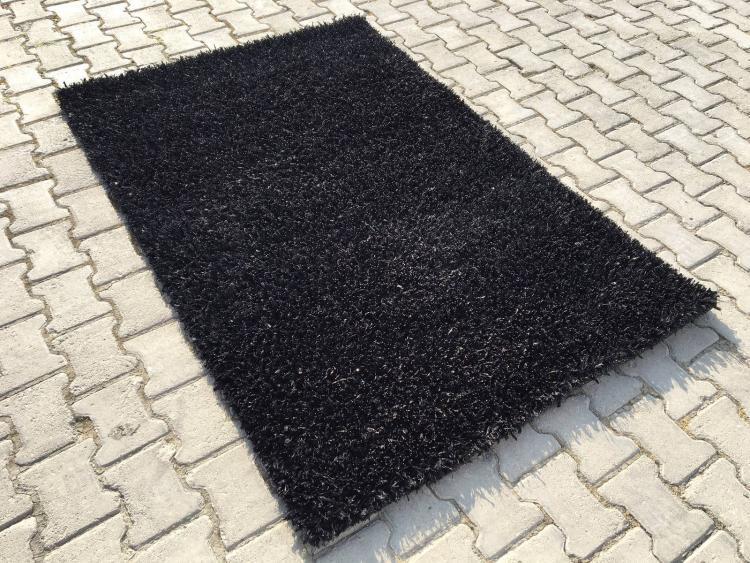 siyah halı görmek