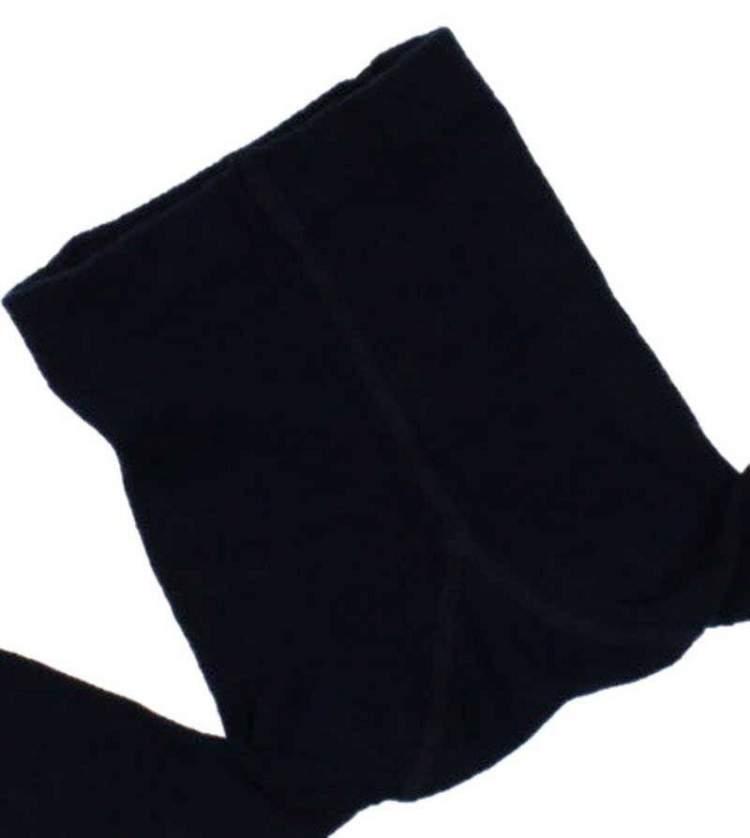 siyah külotlu çorap giymek