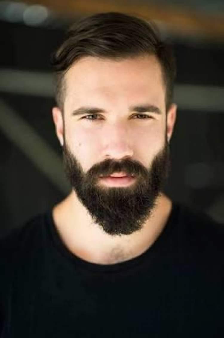 siyah sakallı adam görmek