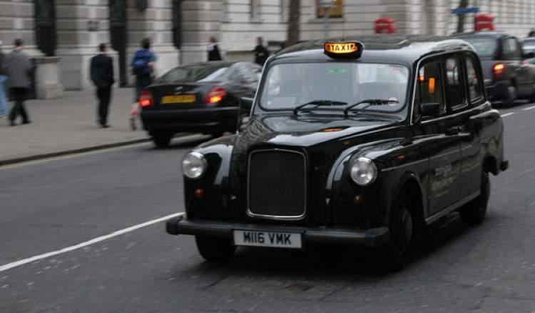 siyah taksi görmek