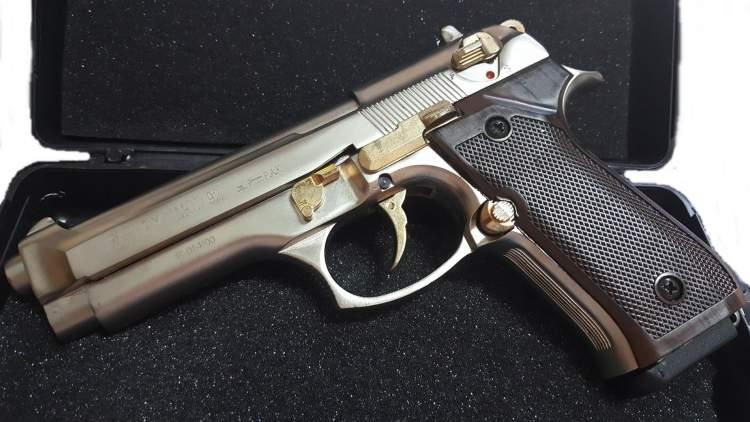 tabanca ile ateş etmek