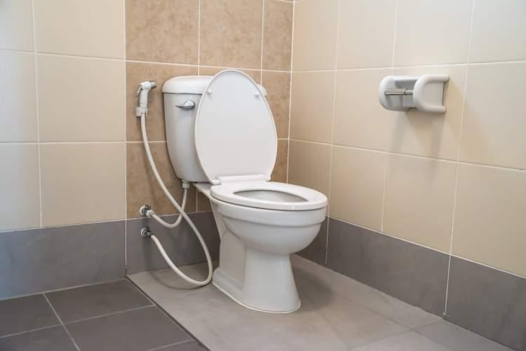 tuvalete büyük abdest yapmak