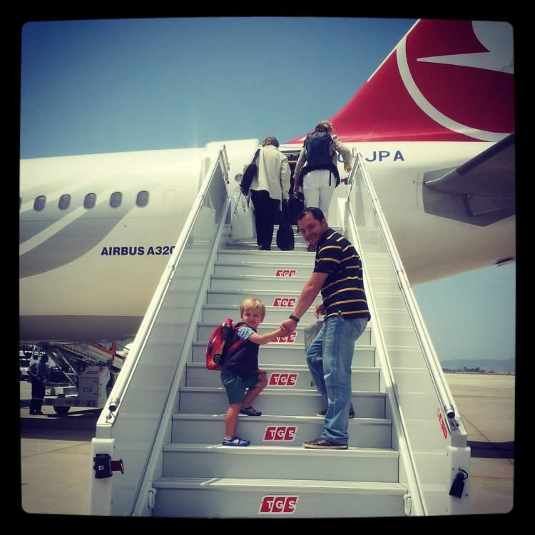 uçağa binmek uçmak