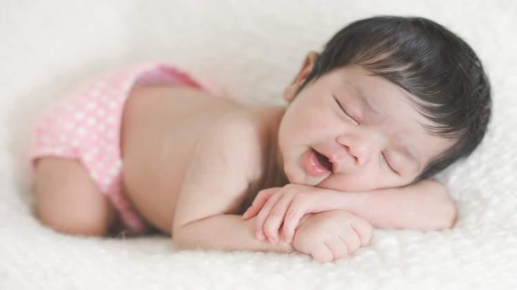 Rüyada Uyuyan Erkek Bebek Görmek