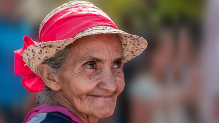 yaşlı kadın ve adam görmek
