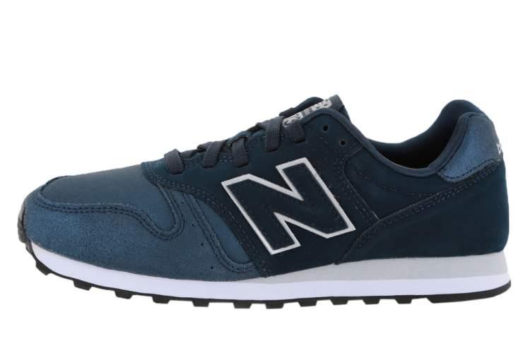 yeni ayakkabı giymek