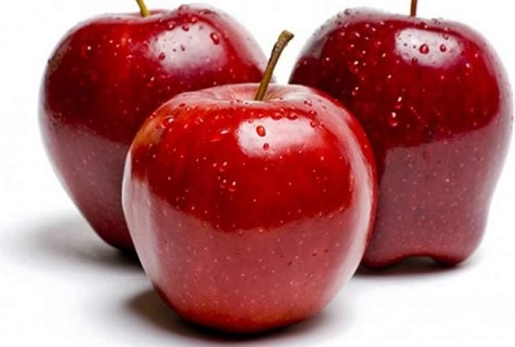 yerden elma toplamak