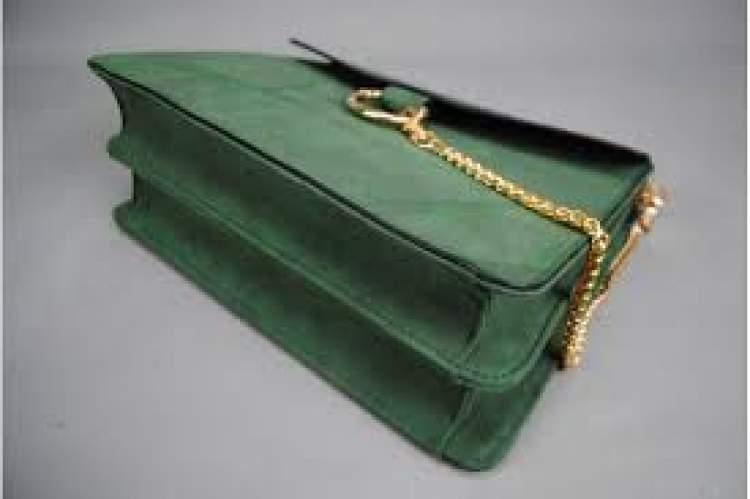 yeşil çanta almak