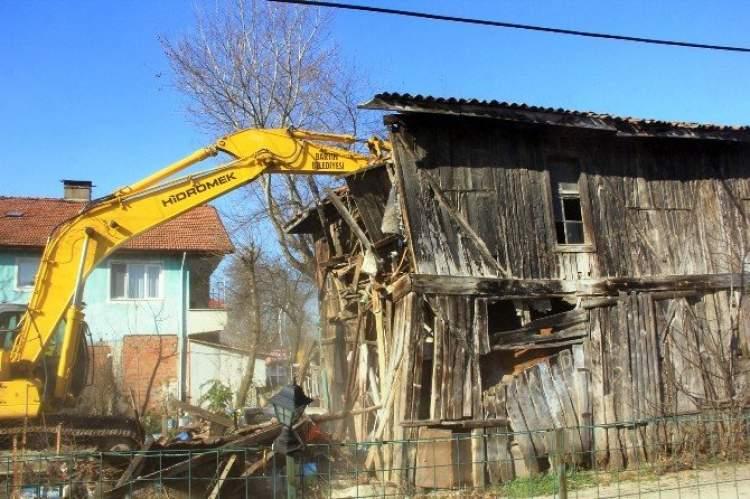 ahşap evin yıkılması