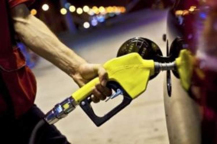 arabaya benzin almak