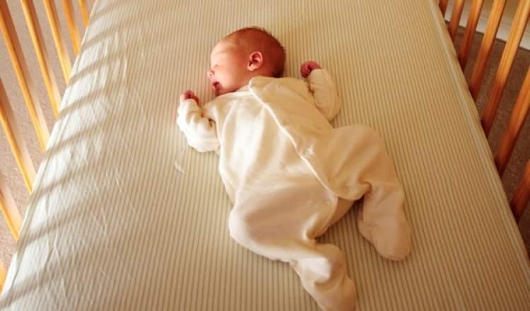 beşikte bebek sallamak