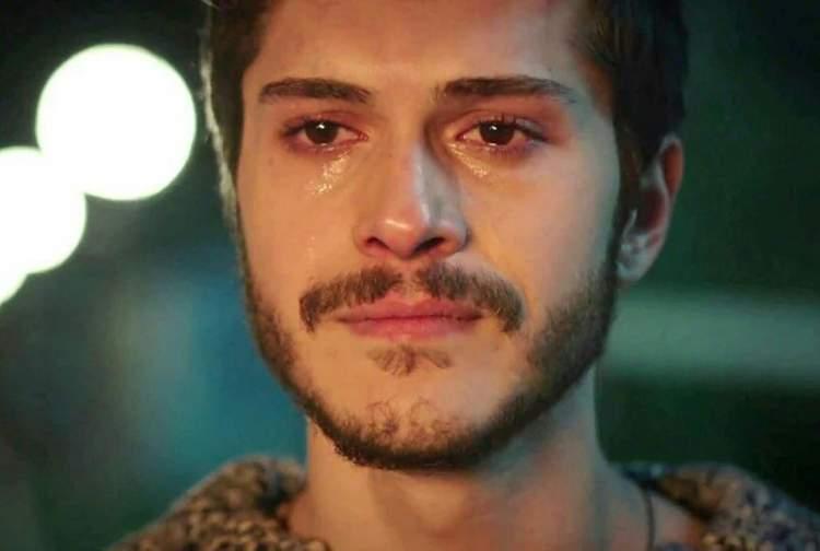birini ağladığını görmek